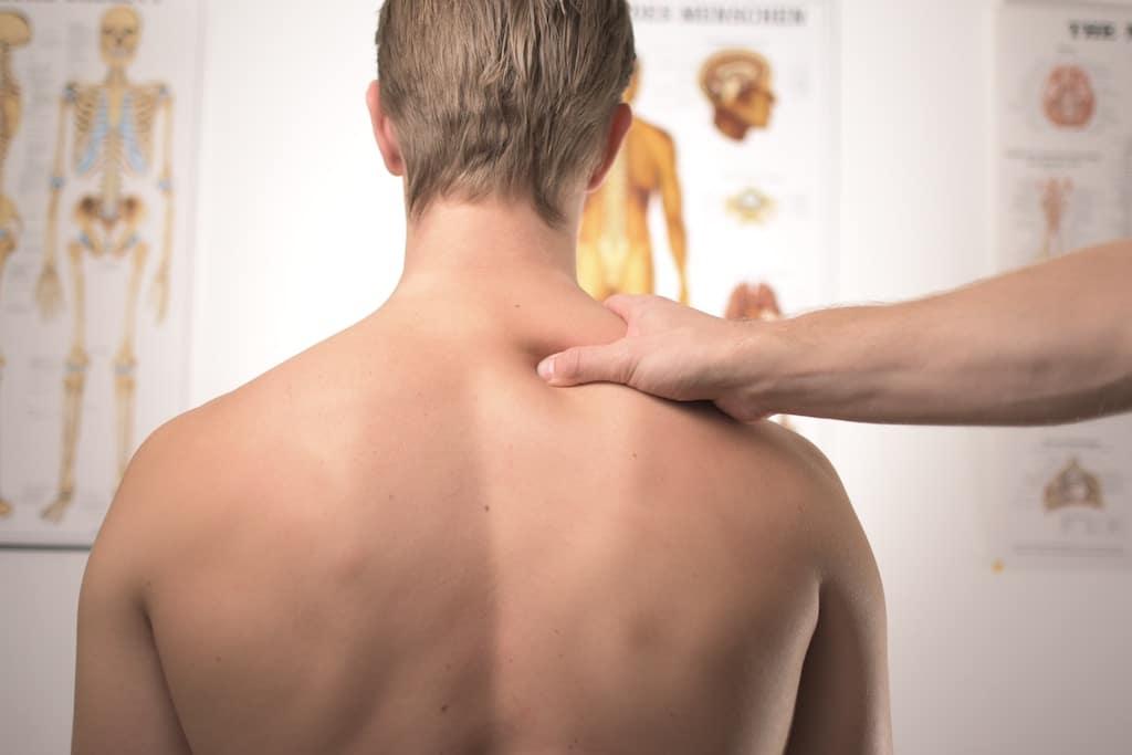 pourquoi les coach sportifs sont si obsédés par le gainage? blessures au dos